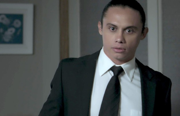 Na quarta (11), Nonato (Silvero Pereira) desconfiará de Silvana (Lilia Cabral) e a seguirá  (Foto: Reprodução)