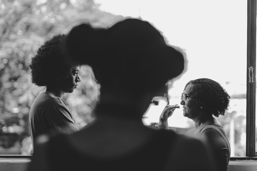 """A atriz Leni Ângela e o ator Samuel Veloso do curta-metragem """"Rumo"""", dos diretores brasilienses Marcus Azevedo e Bruno Victor — Foto: Rodrigo Cabral/Divulgação"""