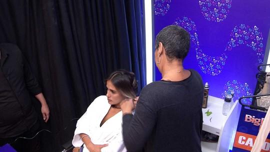 Transformação Embelleze: Carolina faz cachos no cabelo