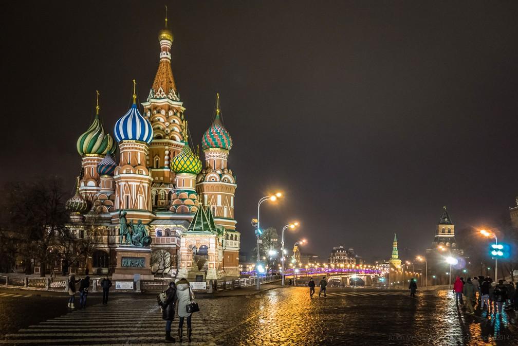 A Catedral de São Basílio, na Praça vermelha de Moscou (Foto: Julian Macedo/Creative Commons)