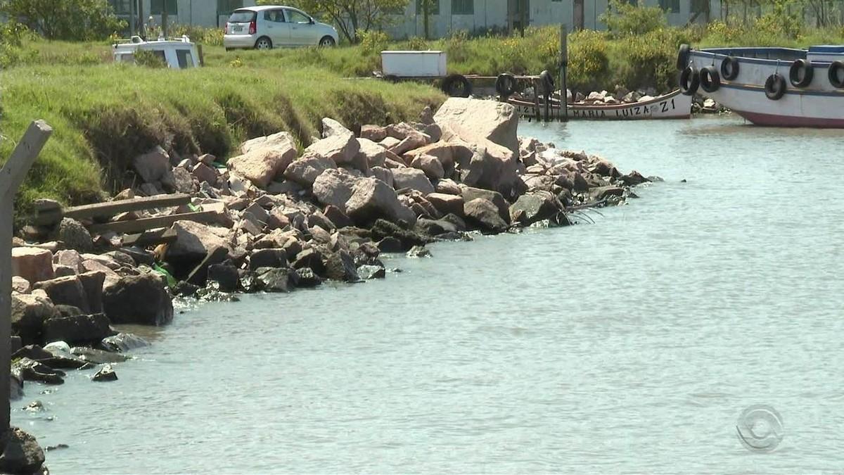 Dano causado por vazamento de óleo de navio grego em Rio Grande é considerado de 'pequena proporção' - G1