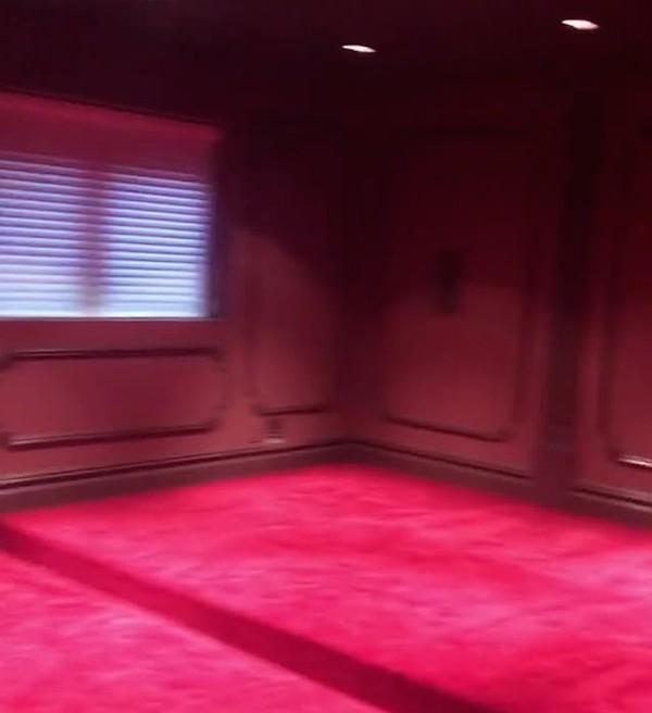 A casa de dois andares que a cantora Cardi B deu de presente para sua mãe (Foto: Instagram)