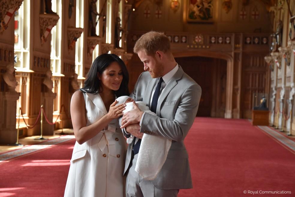 Meghan e Harry apresentaram Archie Harrison ao mundo no Castelo de Windsor, em imagem de arquivo — Foto: Família Real