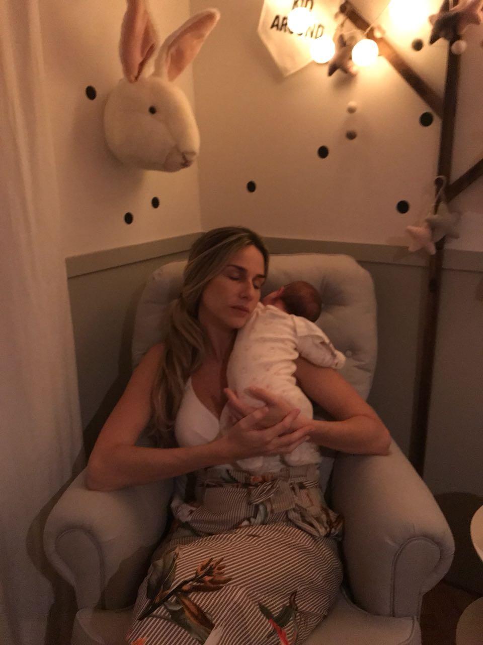Mariana Weickert com Theresa, sua primeira filha (Foto: Acervo pessoal)