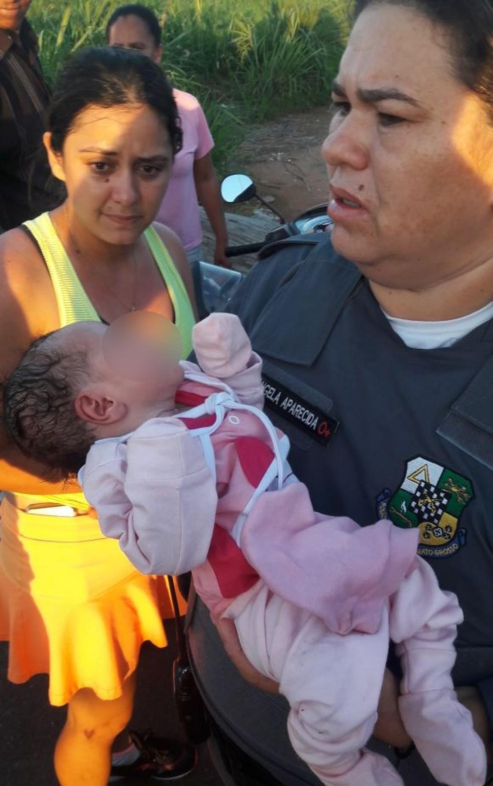 Bebê foi encontrada em matagal, em Lucas do Rio Verde (Foto: Junior Brandini/Arquivo pessoal)