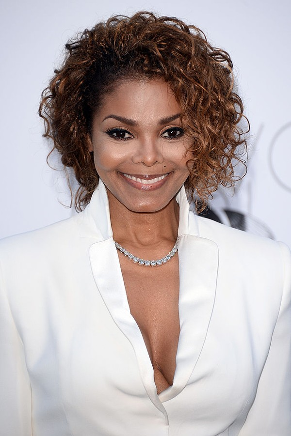 CAP D'ANTIBES, FRANCE - MAY 23: Janet Jackson attends amfAR's 20th Annual Cinema Against AIDS during The 66th Annual Cannes Film Festival at Hotel du Cap-Eden-Roc on May 23, 2013 in Cap d'Antibes, France.  (Photo by Venturelli/WireImage) (Foto: WireImage)