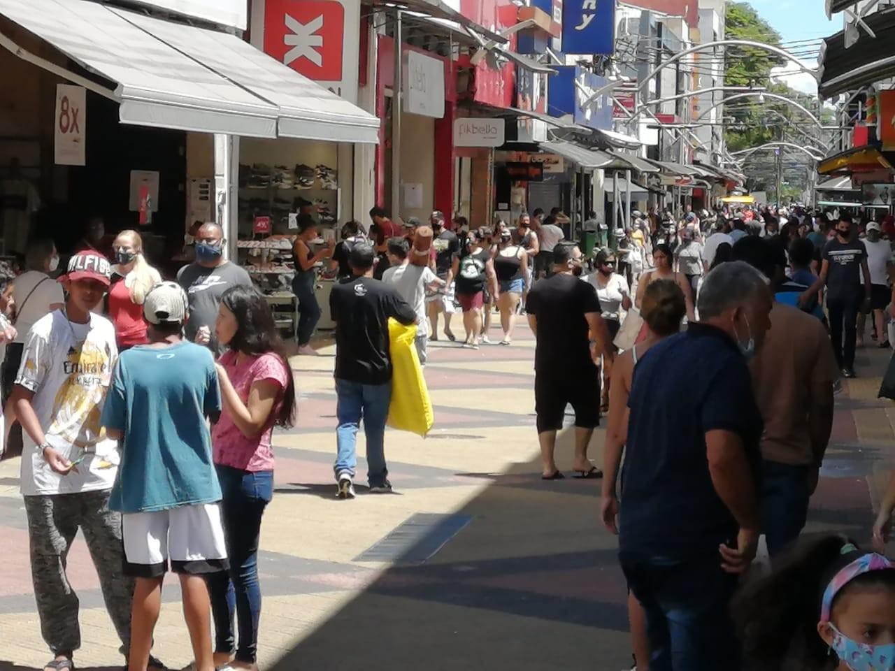 Dia do Servidor Público: veja o que abre e o que fecha em São José dos Campos