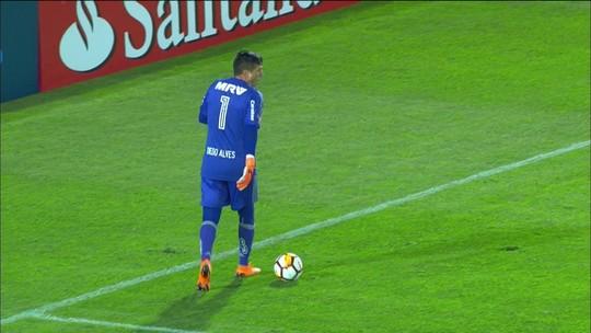 """Rizek critica cera do Flamengo contra Santa Fé: """"Quem viu, notou que foi lá para empatar"""""""