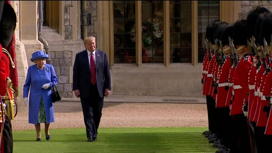 Trump aceita convite da Rainha Elizabeth II e marca visita ao Reino Unido