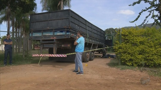 Homem é assassinado na porta de distribuidora em Santa Rita do Sapucaí, MG