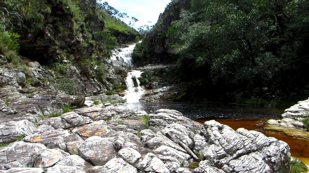 Grupo desapareceu enquanto fazia rapel e nadava em cachoeira em São João Batista do Glória (MG) — Foto: Helder Almeida