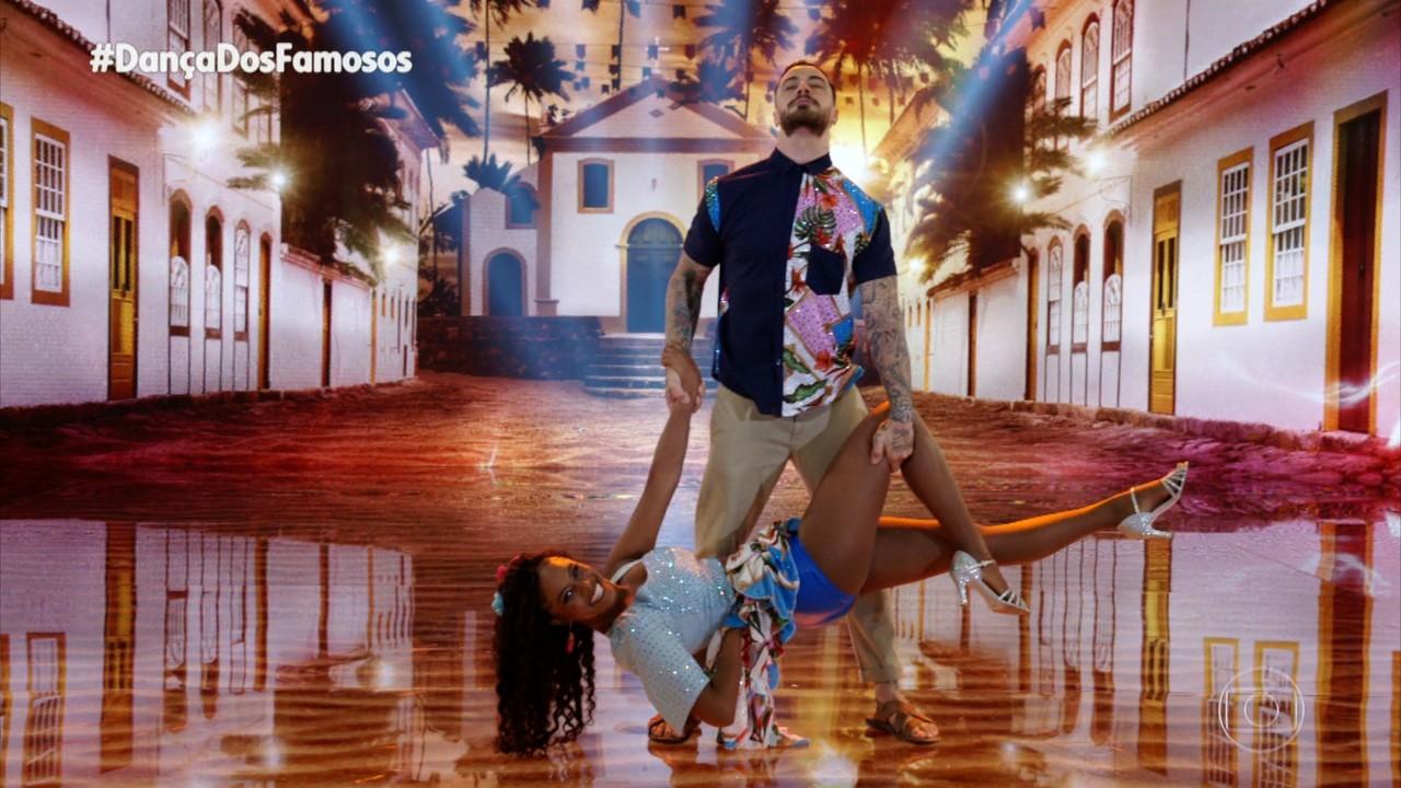 Felipe Titto e Brennda Martins dançam 'Numa Sala de Reboco'
