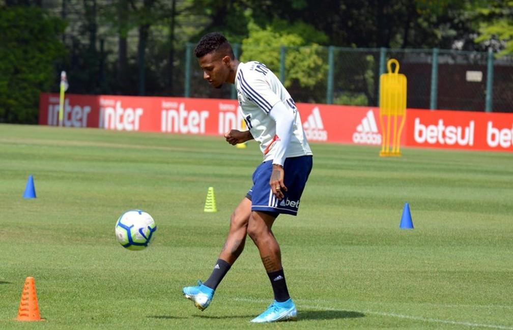 Tchê Tchê é um dos jogadores mais regulares do São Paulo — Foto: Érico Leonan / saopaulofc.net