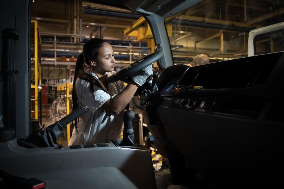 Fábricas devem reduzir a ociosidade das linhas de montagem (Foto: Divulgação/MAN)
