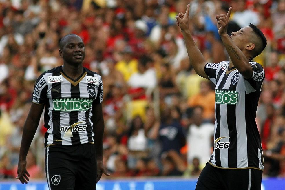 Tomas Bastos foi o autor do gol da última vitória alvinegra no clássico (Foto: Vitor Silva / SSPress)