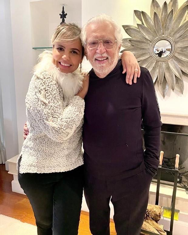 Carlos Alberto de Nóbrega com a mulher, Renata Domingues (Foto: Reprodução Instagram)