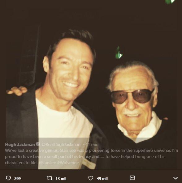 Hugh Jackman posto foto com Stan Lee e homenageou o artista no Twitter (Foto: Twitter/Reprodução)