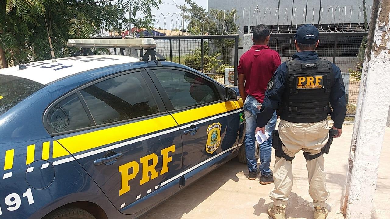 Condutor de motocicleta é preso com CNH falsa na BR-010 no Maranhão