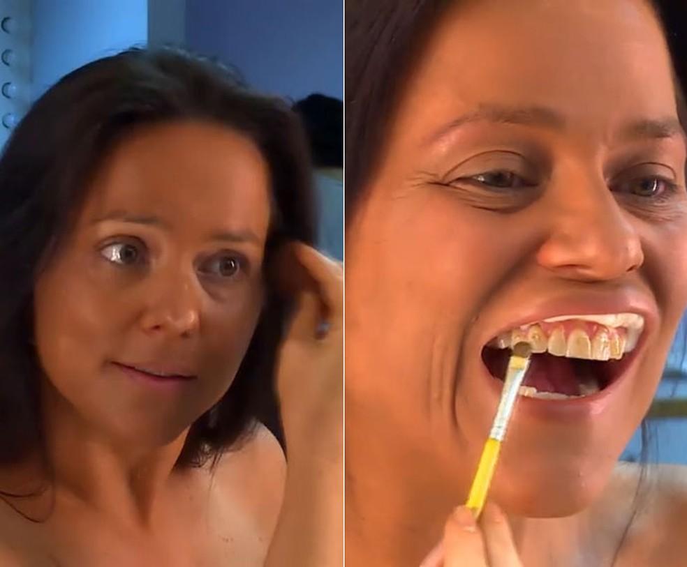 Dona de casa brinca com sua buceta - 2 part 7