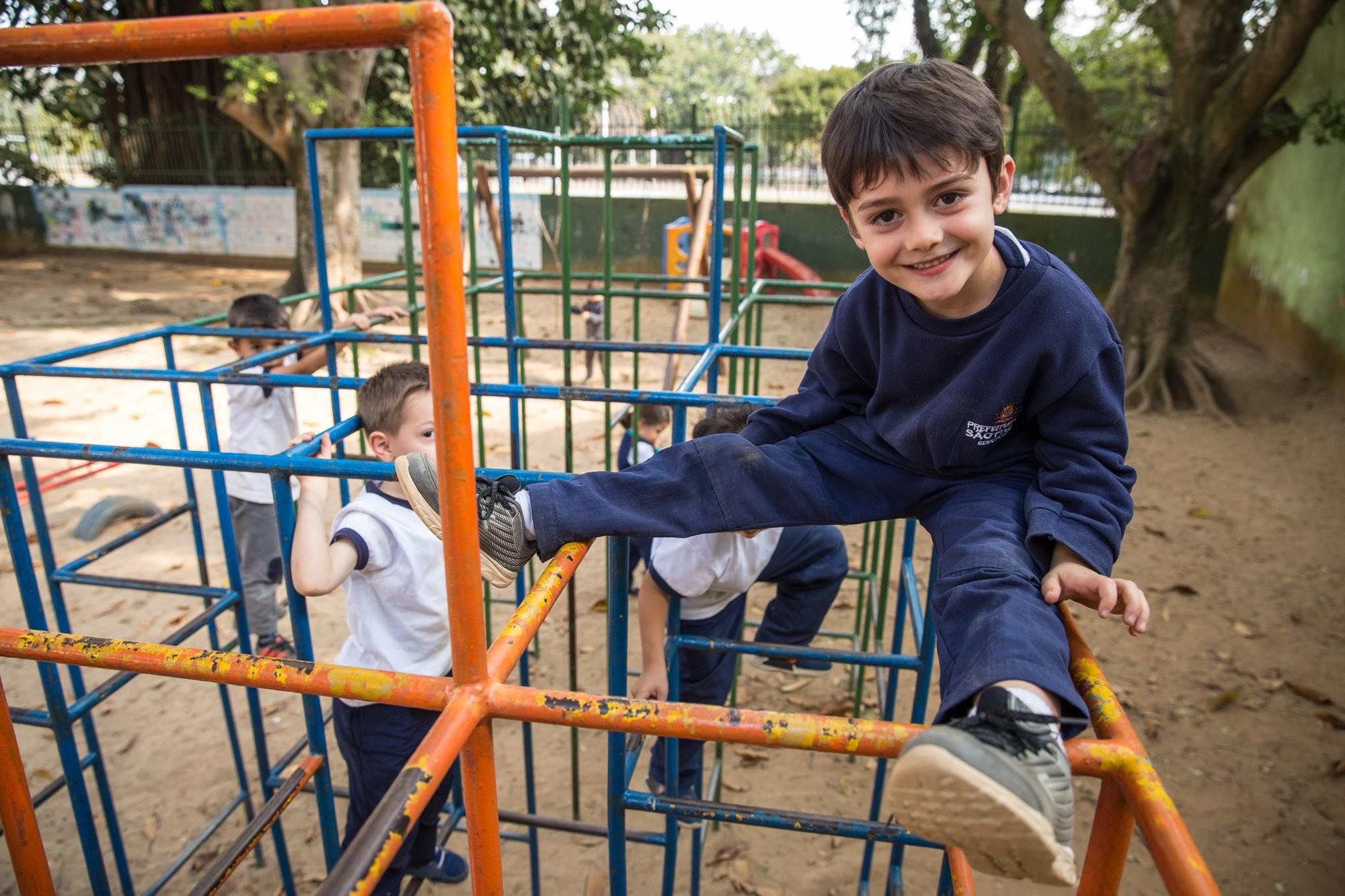 Maioria das pré-escolas públicas não tem parquinho, área verde e pátio coberto