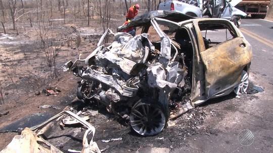 Dois idosos são identificados como vítimas de acidente que matou quatro pessoas na BR-135, oeste da Bahia