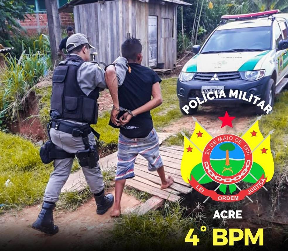 Suspeito foi preso logo depois — Foto: Divulgação PM/AC