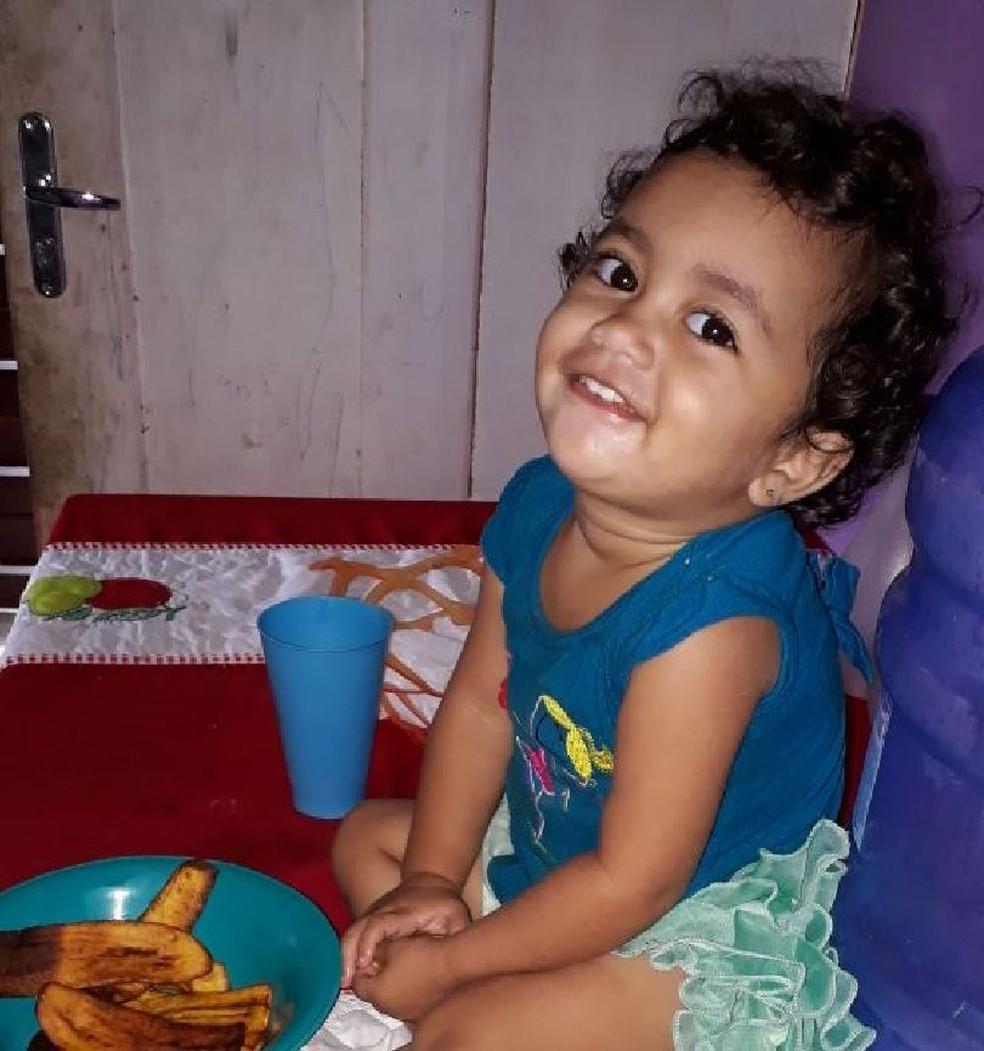 A menina morre após comer um bolo que seria levado para o pai no presídio no interior do Acre  (Foto: Arquivo pessoal)