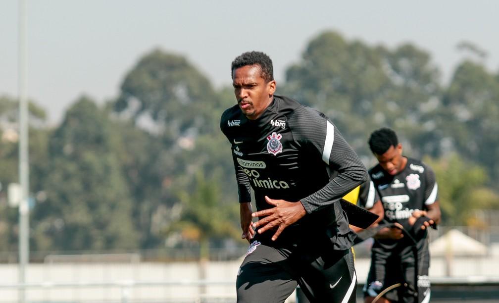 Jô em treino no Corinthians — Foto: Rodrigo Coca/Ag. Corinthians