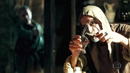 Olegário cria frasco para guardar melhores fragrâncias