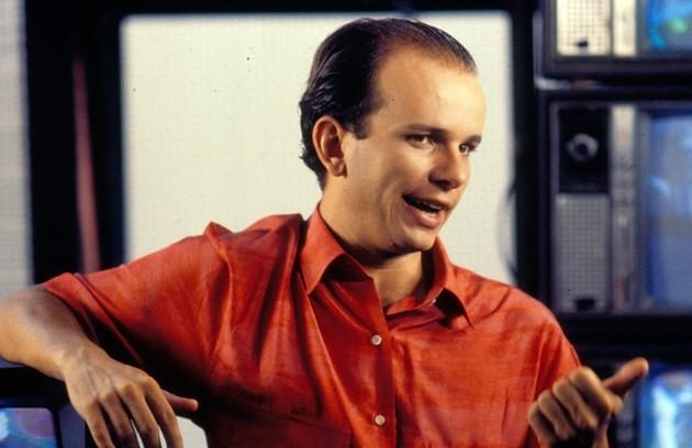 Em 1987, o programa passou por mudanças e começou a ser exibido nas tardes de sábado sob o comando de Marcelo Tas (Foto: TV Globo)