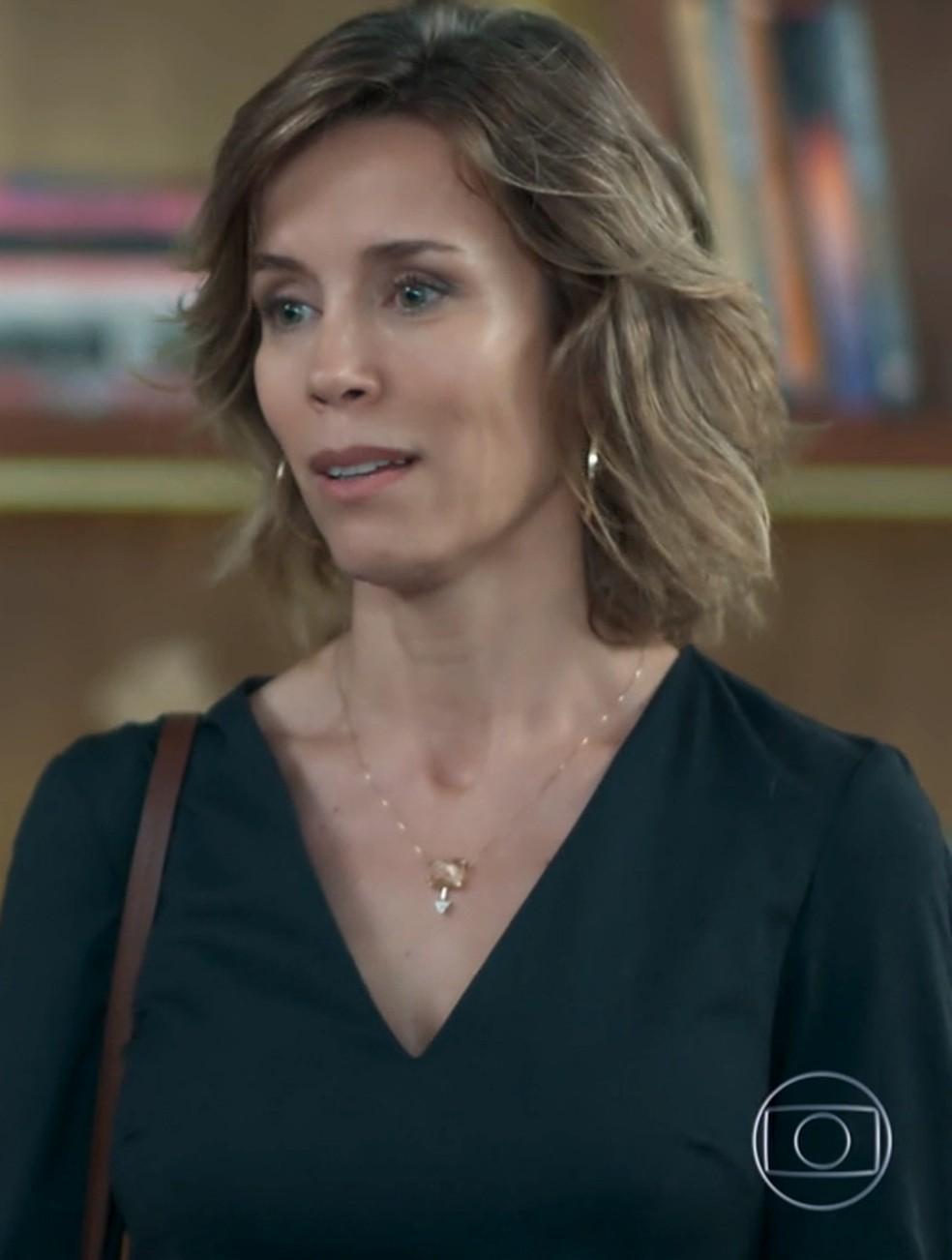 Malu (Daniela Galli) pede perdão a Clara (Isabella Scherer) em 'Malhação - Viva a Diferença' — Foto: Globo