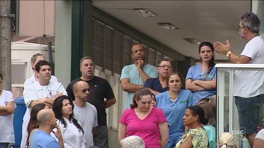 Funcionários de hospitais públicos protestam na Grande Florianópolis e na Serra catarinense
