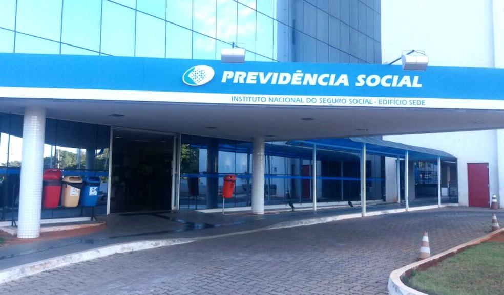 Edifício-sede do INSS em Brasília (Foto: Yasmim Perna/G1)