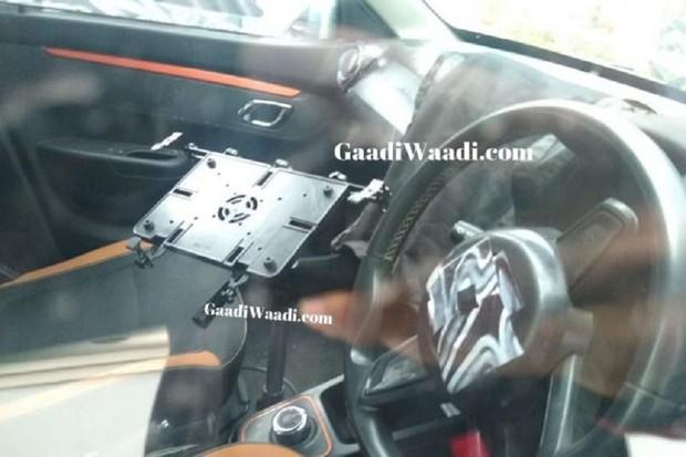 Flagra Renault Kwid indiano (Foto: GaaWaadi)
