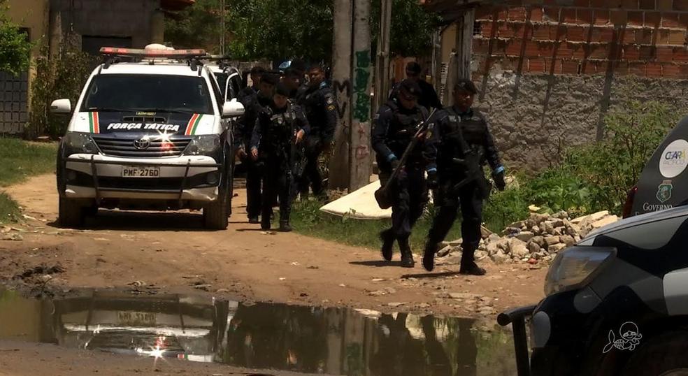 Polícia prende 17 colombianos suspeitos de integrar rede de agiotagem no Ceará — Foto: Reprodução/TV Verdes Mares