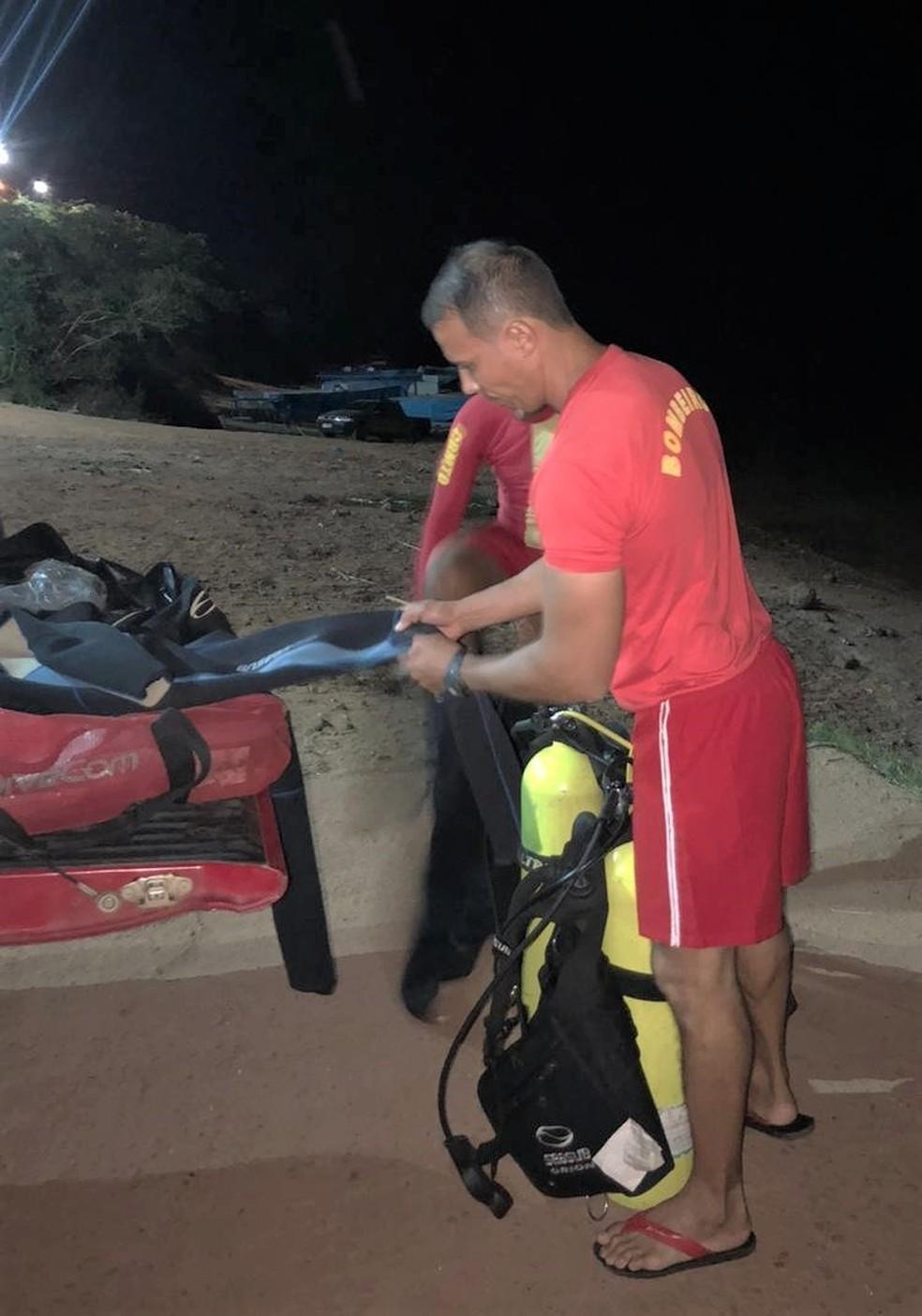 Bombeiros encontraram corpo da vítima de afogamento — Foto: Divulgação/Corpo de Bombeiros