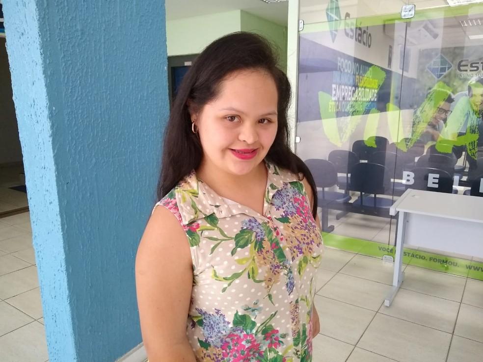 Ana Rita Fernandes, de 21 anos, chegou ao último semestre do curso de Design de Moda, em faculdade do Pará com ajuda de programas de inclusão. — Foto: Divulgação / Estácio