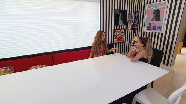 Sabrina Sato visita casa de Anitta (Foto: Divulgação/Record TV )
