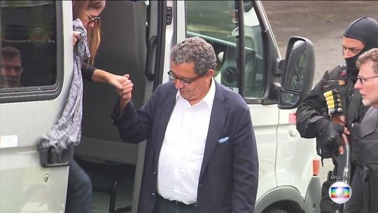 Casal de marqueteiros do PT começam a curmprir prisão domiciliar