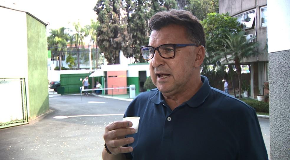Estevam Soares no dia em que deixou o cargo no Bugre — Foto: Cláusio Tavolini / EPTV