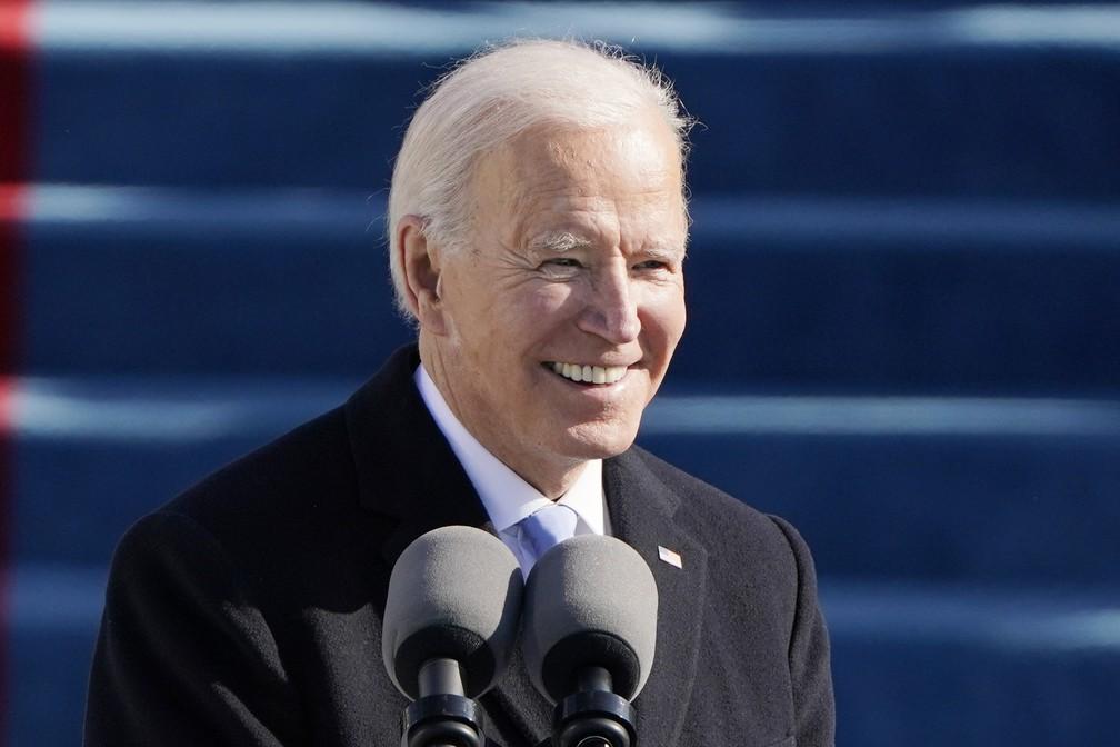 O presidente Joe Biden fala durante a 59ª posse presidencial no Capitólio dos EUA, em Washington, nesta quarta-feira (20)  — Foto: Patrick Semansky/Pool via AP