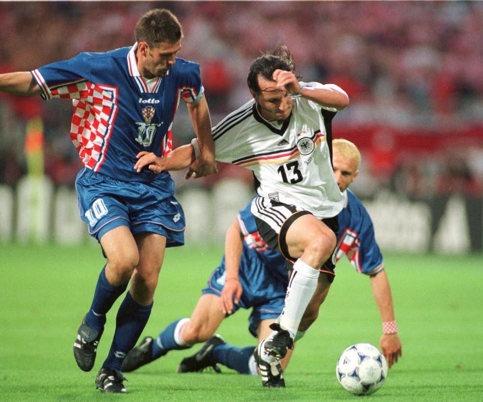 Bobam em ação pela seleção croata diante da Alemanha (Foto: AP Photo)