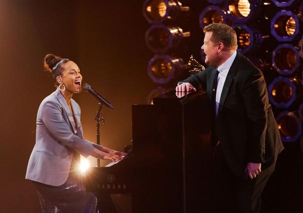 Alicia Keys e James Corden  (Foto: Reprodução/YouTube)
