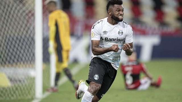 Borja comemora o gol em Flamengo x Grêmio