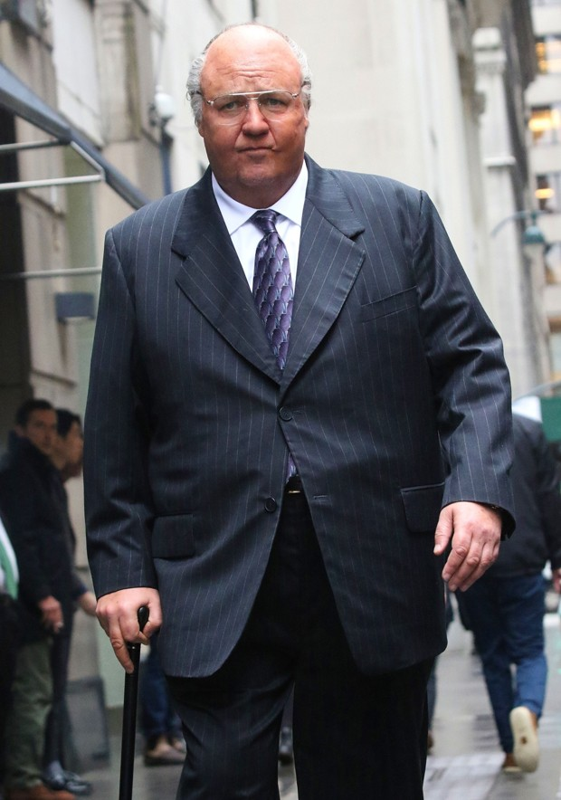 Russell Crowe como Roger Ailes (Foto: BackGrid)