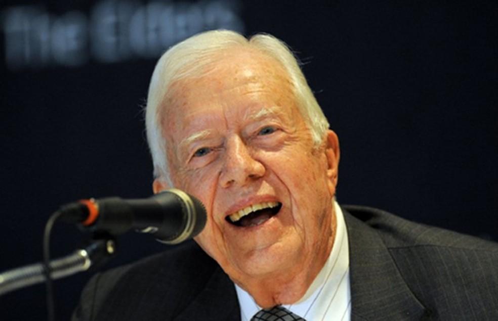 O ex-presidente dos EUA Jimmy Carter dá entrevista em Seul nesta quinta-feira (28) — Foto: AP