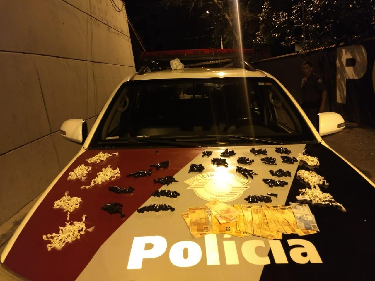 Homem é preso com porções de crack e cocaína em Ubatuba