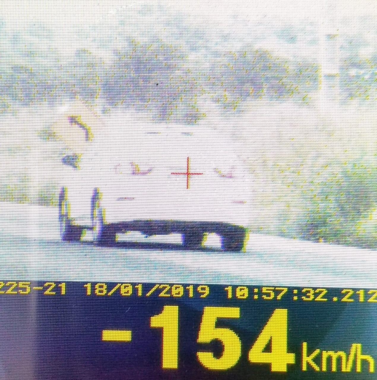 PRF flagra veículo com quase 200% de excesso de velocidade na BR-010 no MA