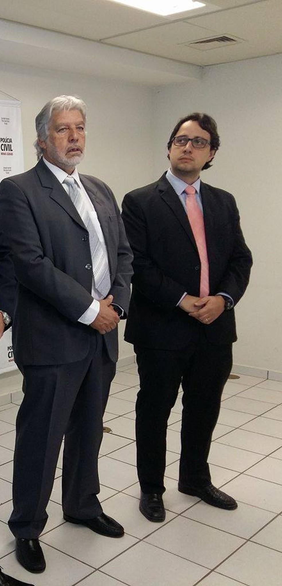 Hamilton Tadeu (à esquerda) foi dispensado e delegado regional, Edson Morais (à direita), assume chefia do 9° Departamento de Polícia Civil de Uberlândia (Foto: Caroline Aleixo/G1)