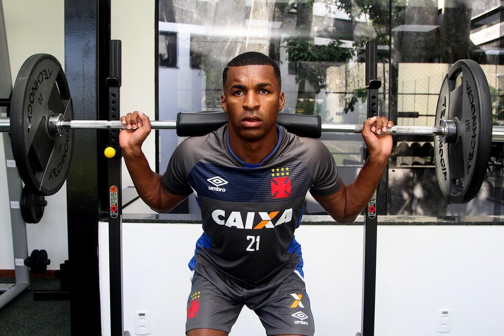 Erazo também está com o time cruz-maltino (Foto: Paulo Fernandes/Vasco.com.br)